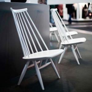 ambiente con Lounge chair Mademoiselle lacado blanco de Artek