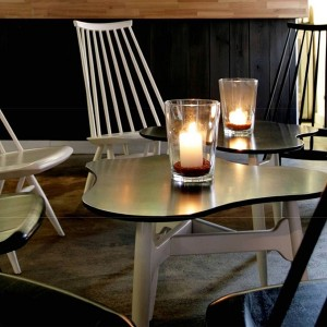 interior con Lounge chairs Mademoiselle de Artek