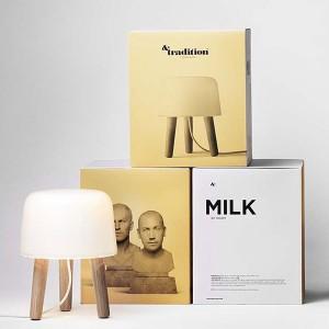 exposición Lámpara de mesa Milk AndTradition cable blanco