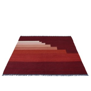 Another Rug Red - &tradition