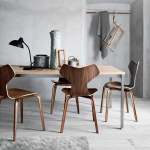 Silla Grand Prix de Arne Jacobsen para Fritz Hansen en Moises Showroom