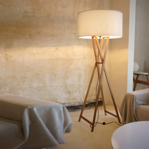 salón con Lámpara de pie Cala Marset