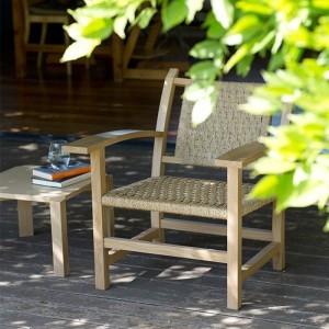 patio cubierto con Mesita MMS Mobles 114