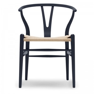 Silla CH24 Wishbone edición limitada Midnight Blue