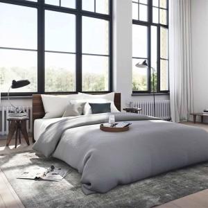 Dormitorio con lámpara de mesa Kaiser Luxus de Fritz Hansen