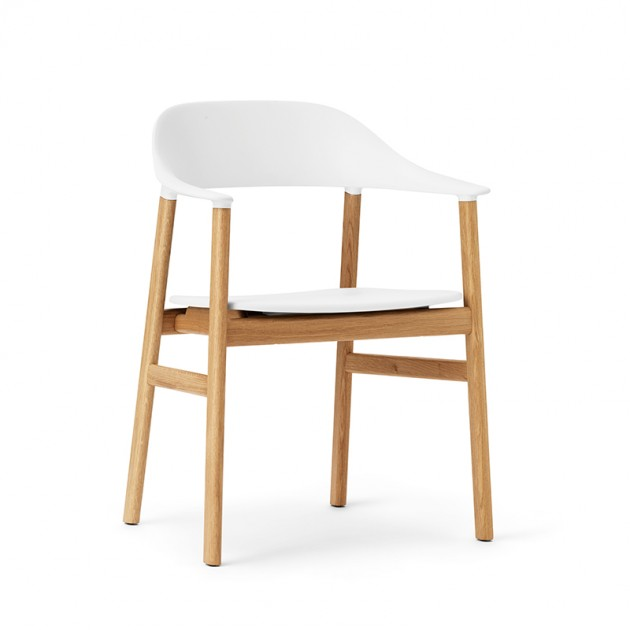 comprar Silla Herit Armchair en roble color blanco de Normann Copenhagen en Moises Showroom