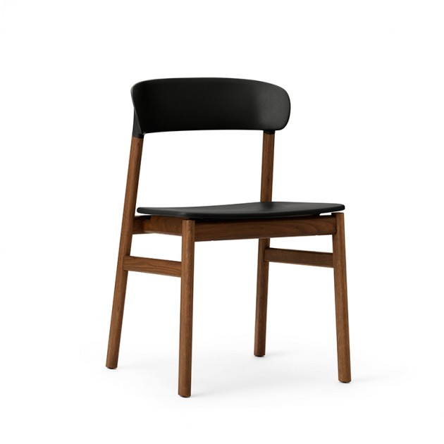 comprar Herit Chair smoked oak color negro de Normann Copenhagen en Moises Showroom