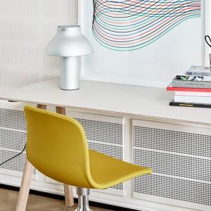 Lámpara de mesa PC de HAY en Moises Showroom