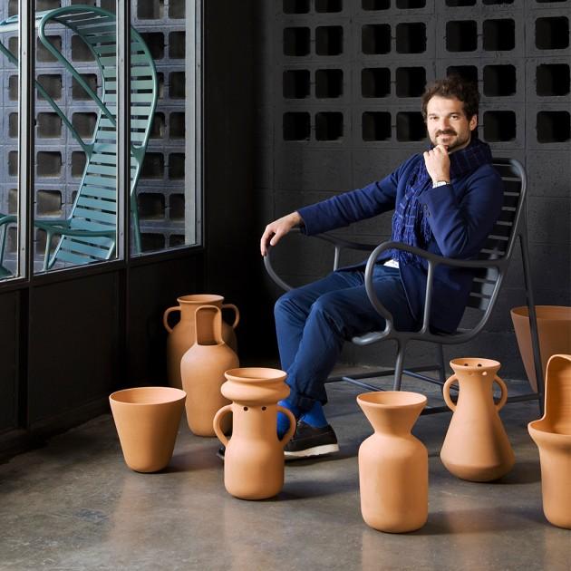 Jarrón Gardenias de Jaime Hayon para BD Barcelona en Moises Showroom