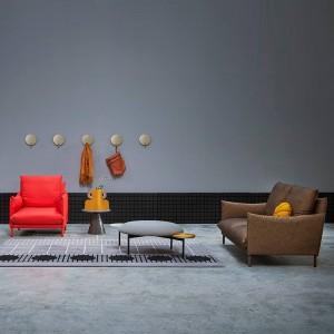 Sofá Alpino con brazo recto de Sancal en Moises Showroom