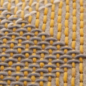 Alfombra Canevas Geo gris de Gan Rugs en Moises Showroom