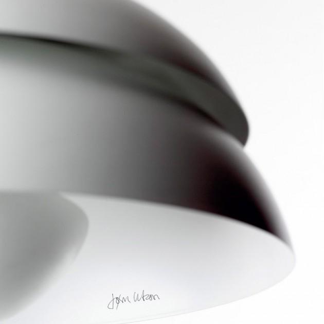 Lámpara Concert p1 en detalle firmada por su diseñador Jorn Utzon en color blanco