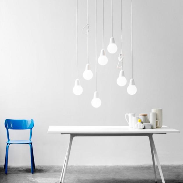 Ambiente con Lámpara Bulb color blanco Fritz Hansen