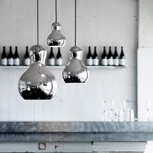 Ambiente bar con Lámparas Calabash color plata Fritz Hansen