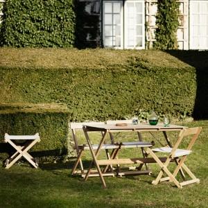 Jardín con Silla de comedor BM4570 y Mesa BM3670 de carl Hansen. Disponible en Moisés showroom