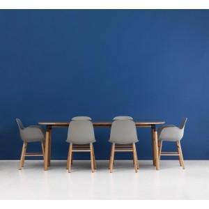 comedor sillas form con y sin brazos color gris en roble de Normann Copenhagen