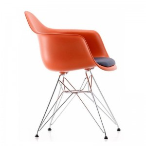 Silla DAR con asiento tapizado de Vitra en Moises Showroom 2