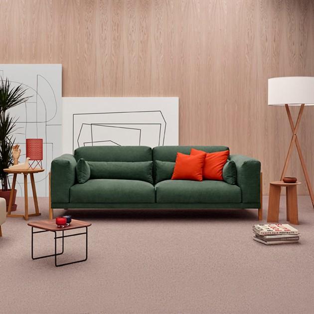Sofá Time de Joquer verde en ambiente 1 en Moises Showroom