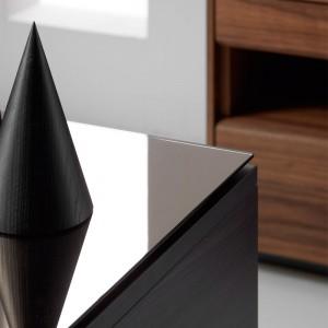 detalle Mesilla Malmö 117 roble ebano embellecedor superior espejo de Punt Mobles