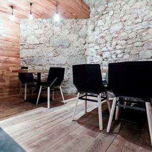 restaurante con Silla Green patas madera Mobles 114 negro