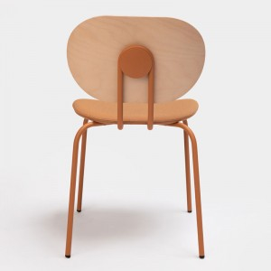 Respaldo silla Hari respaldo de madera de Ondarreta en Moises Showroom