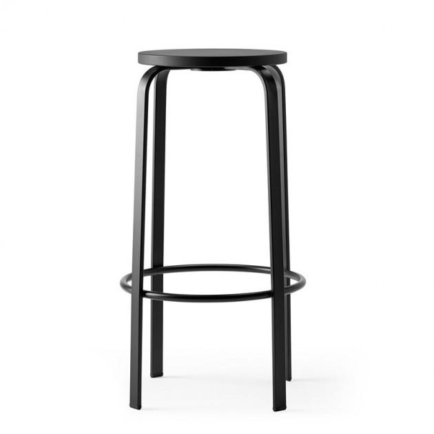 Taburete alto chico color negro de Ondarreta en Moises Showroom