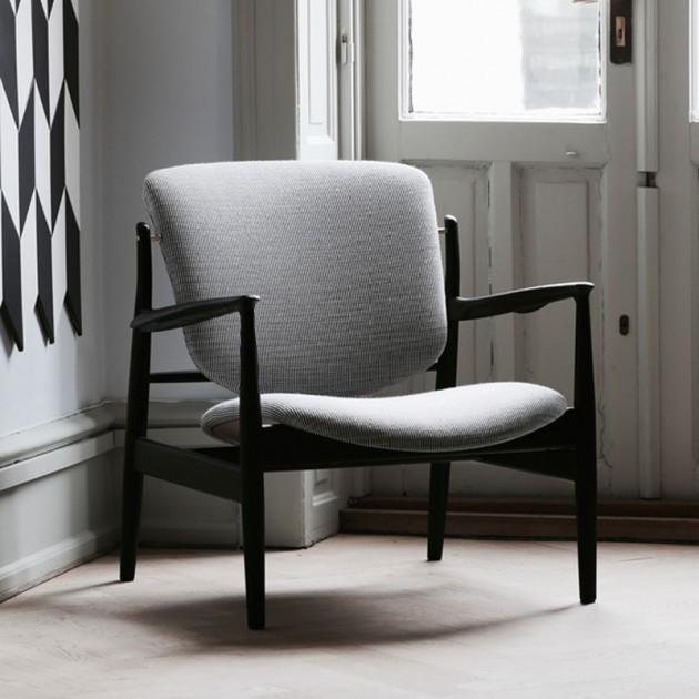 Butaca France Chair roble negro de Finn Juhl en Moises Showroom