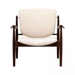 Butaca France Chair roble ahumado de Finn Juhl en Moises Showroom