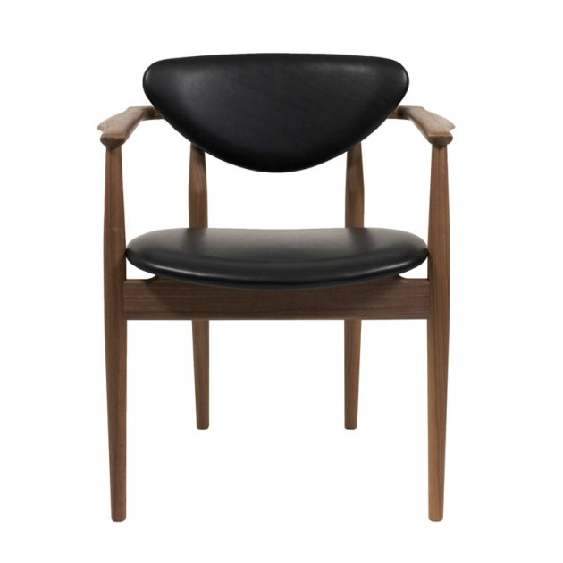 109 Chair leather Finn Juhl en Moises Showroom
