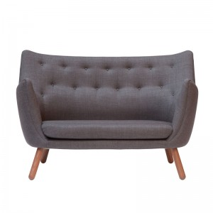 Poet sofa de House of Finn Juhl en Moises Showroom