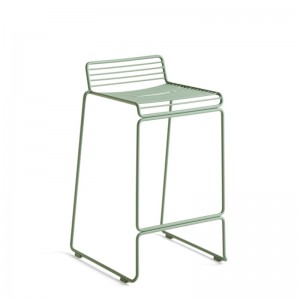 Taburete Hee Bar stool fall green de HAY en Moises Showroom