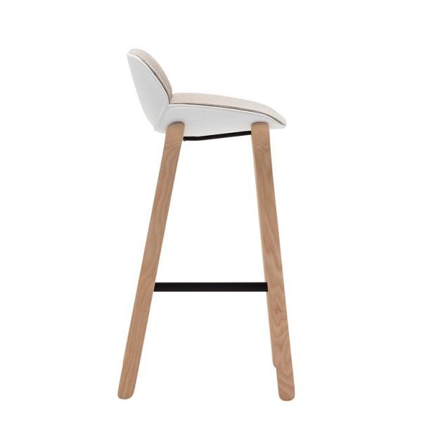 taburete patas madera Nuez Andreu World