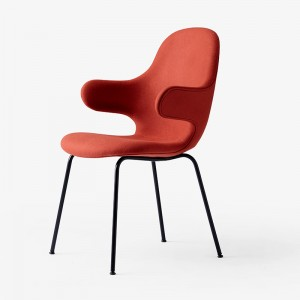 silla con brazos Catch JH15 tapizada &Tradition