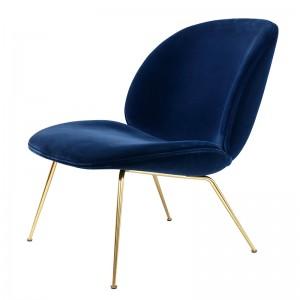 Beetle Lounge Chair velvet de Gubi acabado terciopelo en Moises Showroom