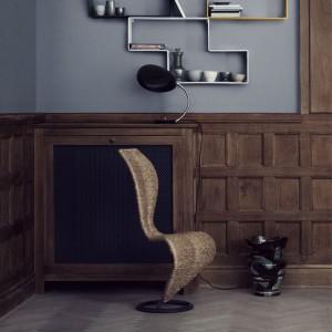 Lámpara de mesa Cobra Table Lamp de Gubi en Moises Showroom
