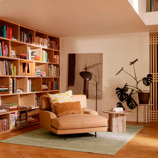 Flaneur Lounge chair de Gubi en Moises Showroom