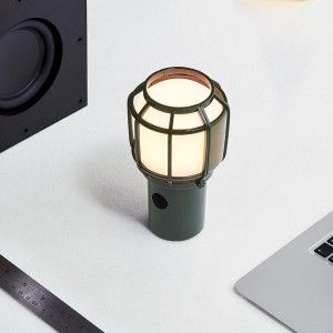 lámpara portátil Chispa verde ambiente Marset