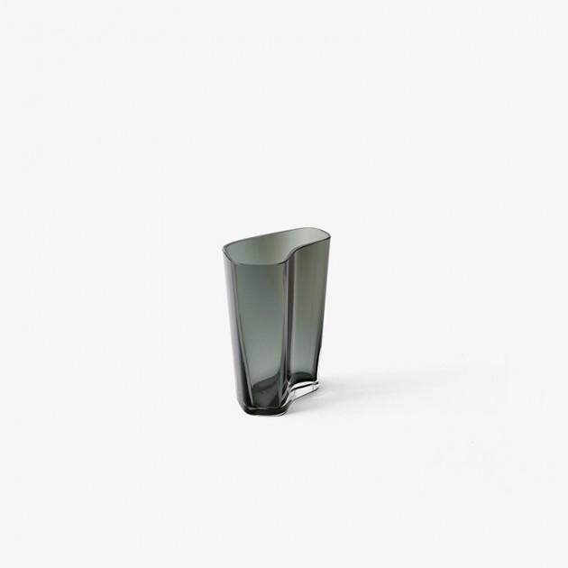 jarrón Glass vase Andtradition altura 24 smoked