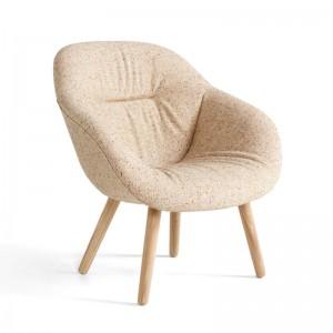 About a Lounge AAl82 soft da HAY en Moises Showroom