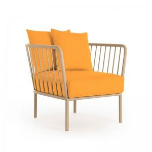 sillón Arp de exterior Diabla Urban mostaza