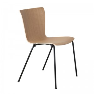 Silla Vico Duo roble de Fritz Hansen en Moises Showroom