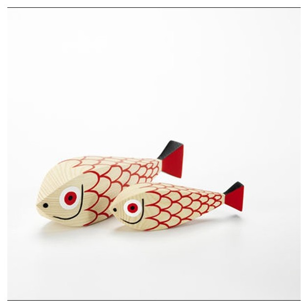 Wooden doll Mother Fish and child en Moises Showroom 4