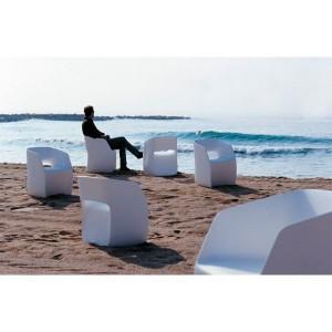 Butaca OM basic Mobles 114 en playa