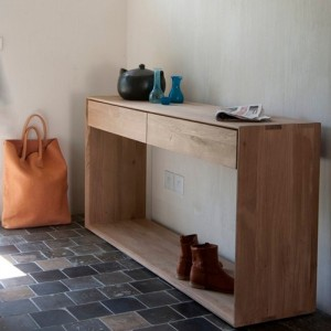 Consola Nordic dos cajones extraibles en casa fabricado en roble medidas 160x40x85 de Ethnicraft